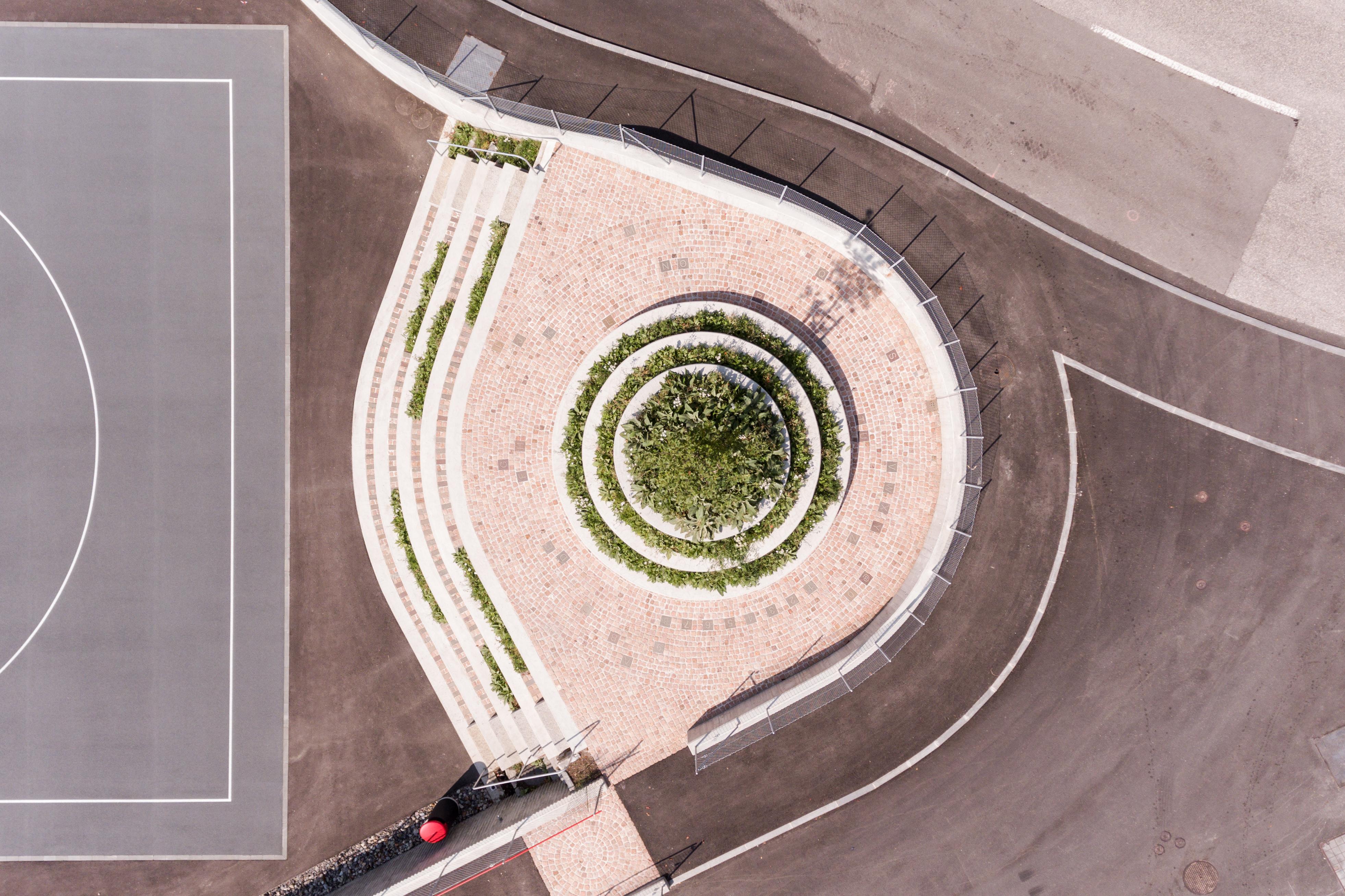 Nuova Piazza Sonvico - Enrico Sassi Architetto - Photo ALberto Canepa